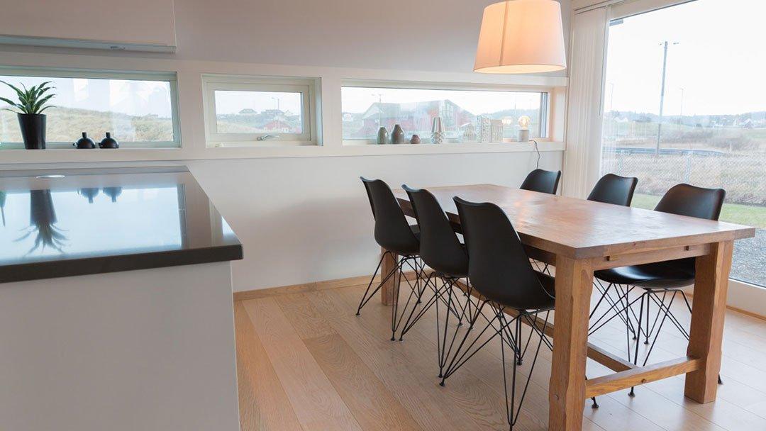 Spisebord, kjøkken, i enebolig på Ferkingstad, Karmøy