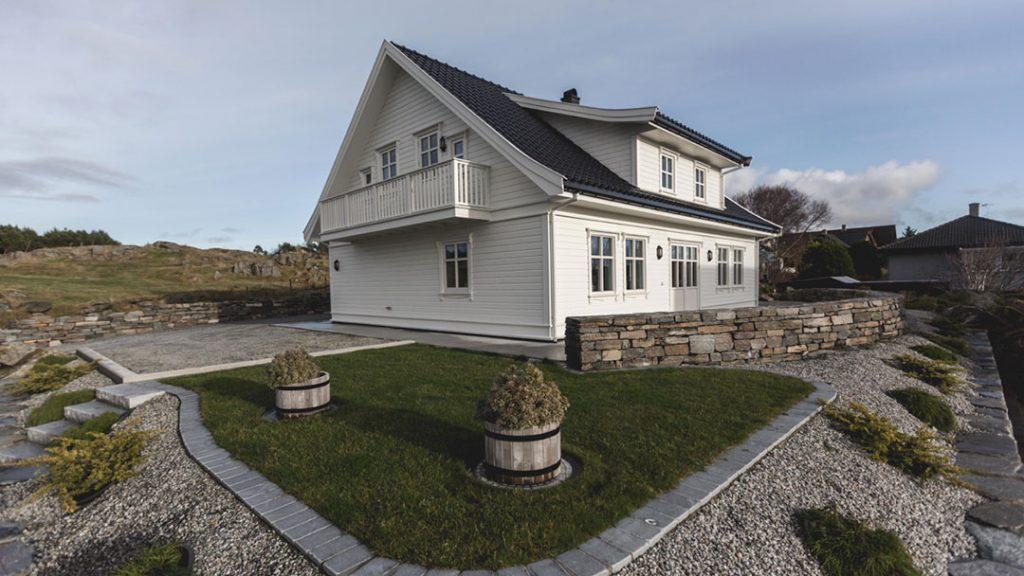 Tradisjonell enebolig, byggefirma Haugesund