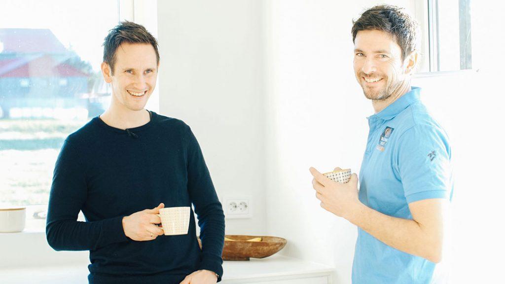 Fornøyd huskunde Sveinar sammen med prosjektleder Tormod hos Hans J. Rasmussen AS