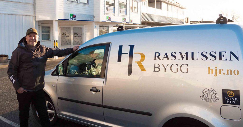 Firmabilen til Rasmussen Bygg, byggmester Haugesund, beste byggmester haugesund